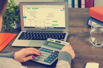 ¿Qué es y cómo realizar una factura rectificativa?